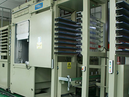PCB多层板压合机
