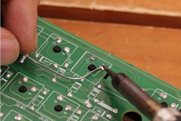 PCB线路板短路